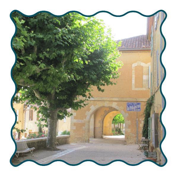 Lavardens Village Mairie